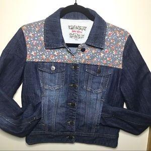 Hot Kiss denim jacket Sz Medium floral print